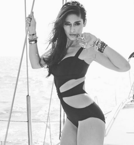 sexy,  Ileana D'Cruz, movies,  Rustom, Main Tera Hero, Barfi!  Happy Ending, Phata Poster Nikla Hero, bikini, songs, hot, sexy, nude, topless, backless, black, white,