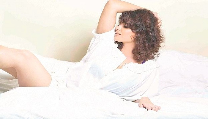 Aashka Goradia, Aashka Goradia serials,Naagin Season 2 ,Brent Goble,  Nach Baliye8, Aashka Goradia latest hot pictures